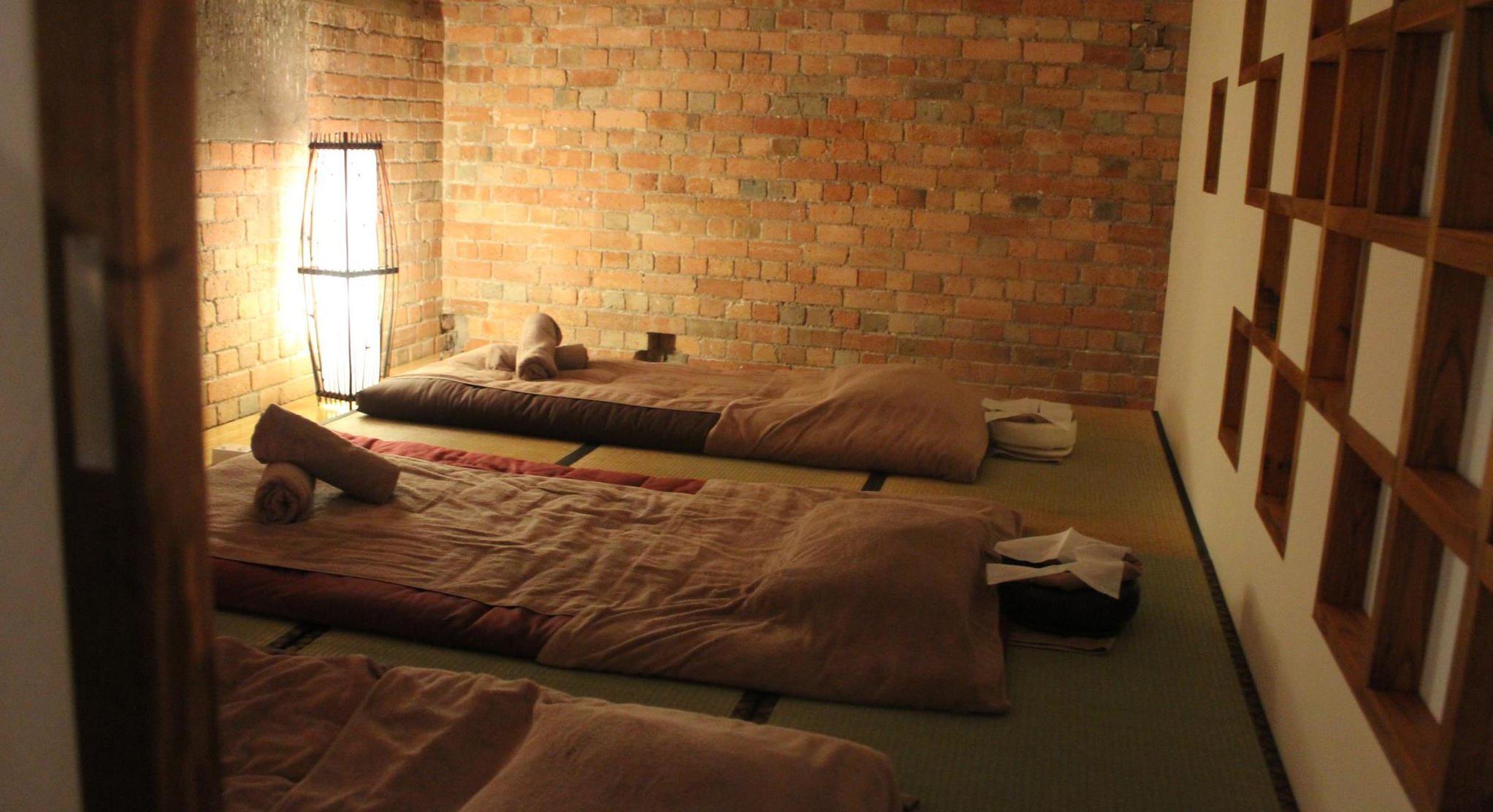 Sakura Lounge   Shiatsu   Massage