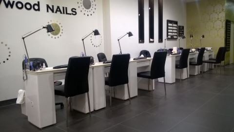 Hollywood Nails Highpoint