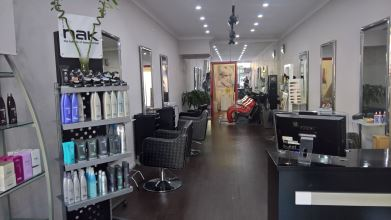 Johnny Hair Studio