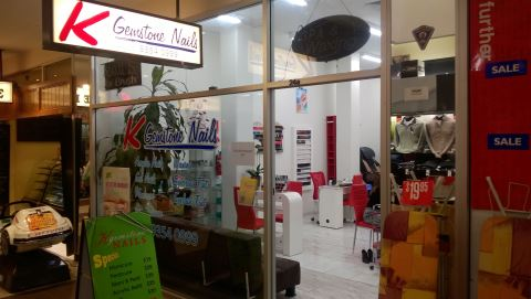 K Gemstone Nails