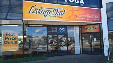 Living Om Dynamic Yoga