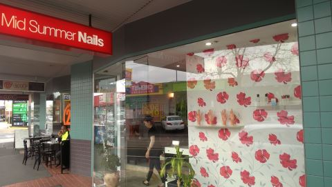 Midsummer Nails