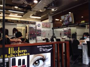 Modern Nails and Lashes Bourke Street