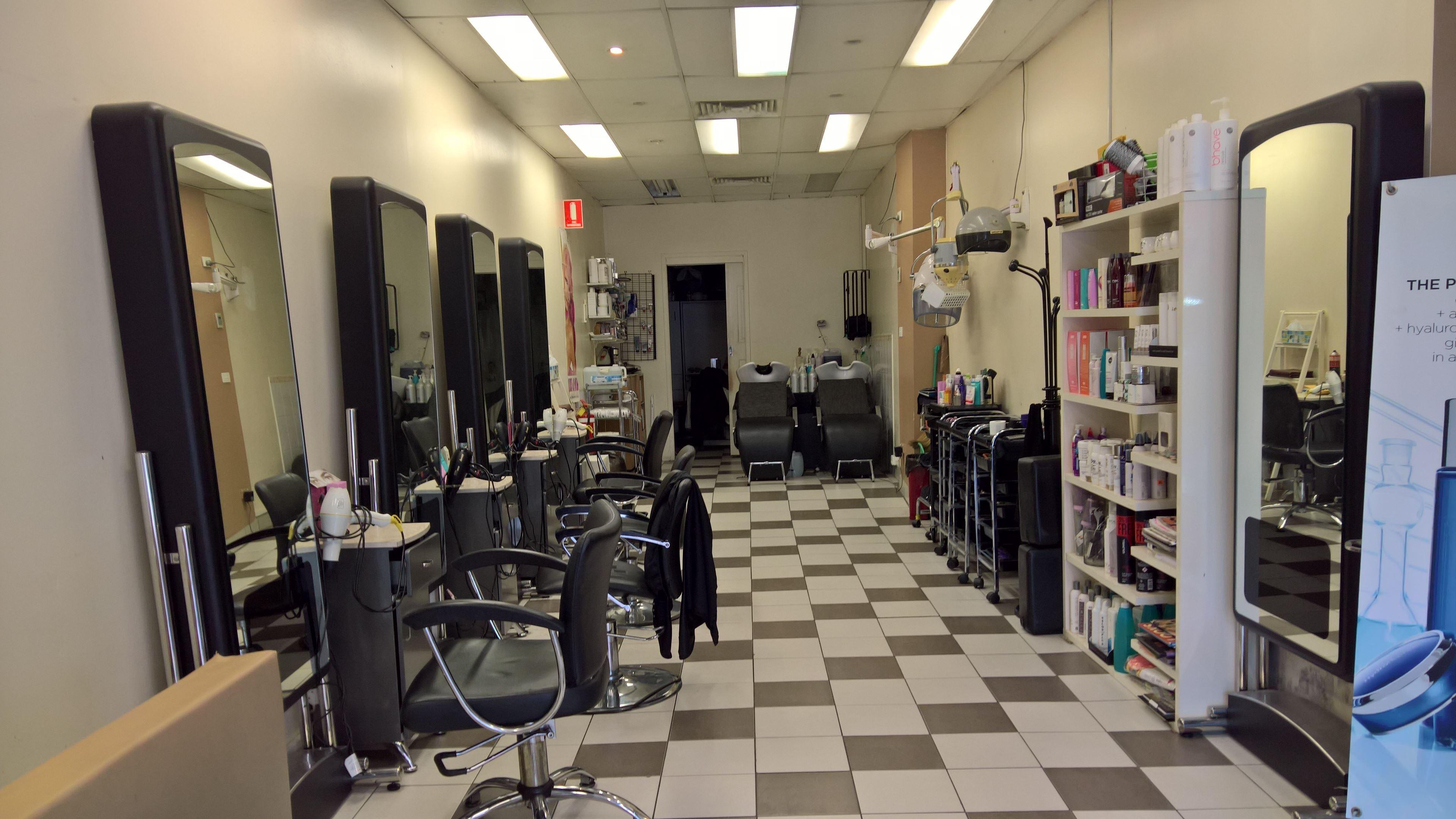 spot salon design top falter cinema spot salon alpin with. Black Bedroom Furniture Sets. Home Design Ideas